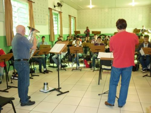 sm with wind band - 20090729011531.jpg